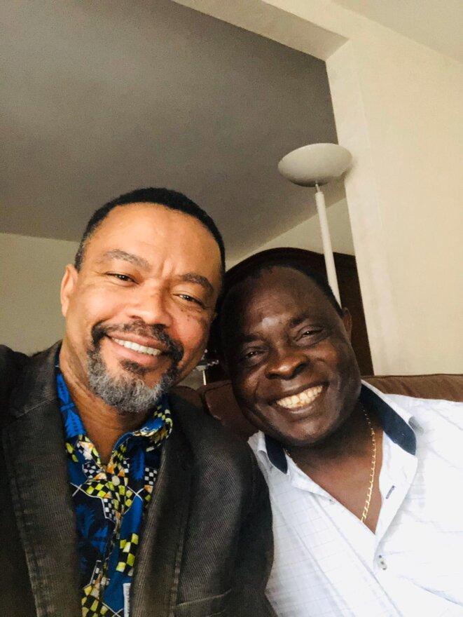 Le Professeur Franklin Nyamsi en compagnie de l'Honorable Albert Dzongang, récemment sorti de 10 mois d'emprisonnement arbitraire dans le Goulag du tyran Biya au Cameroun