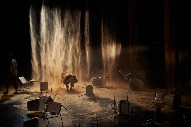 """""""Place"""" écrit et mis en scène par Tamara Al Saadi, Festival d'Avignon 2019. © Christophe Rayanud de Lage"""