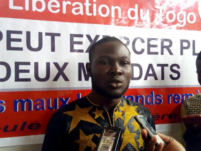 """Foly Satchivi, leader du Mouvement citoyen """"En aucun cas"""", emprisonné arbitrairement et récemment libéré"""