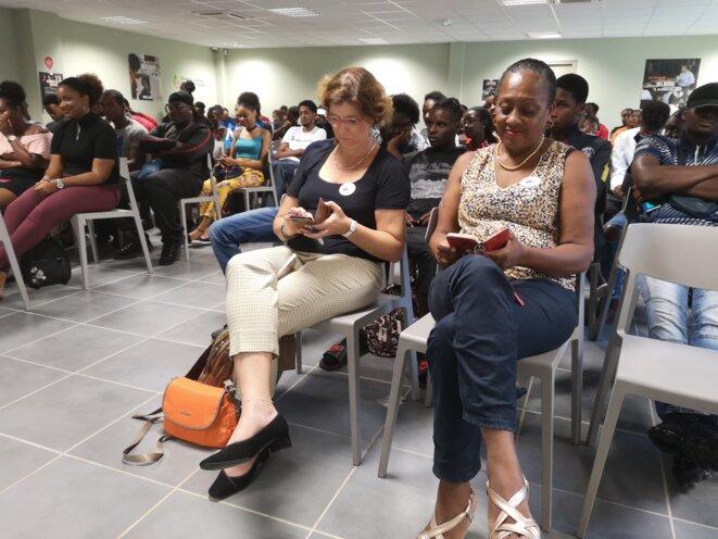 Mme Frédérique Hannequin (a gauche) inspectrice d'Académie et Inspectrice Pédagogique Régionale pour la région Martinique et Mme Evelyne PATRON (à droite) représentante de l'association MIROIR à la Martinique et Professure Référent Europe et internationale au lycée Franz FANON de la Trinité © Humanity For The World (HFTW)