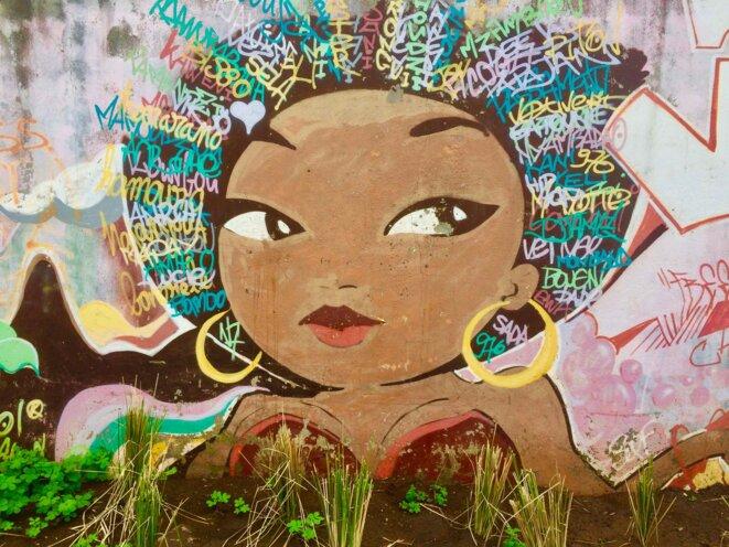 Dessin mural quartier M'Gombani, © daniel gros