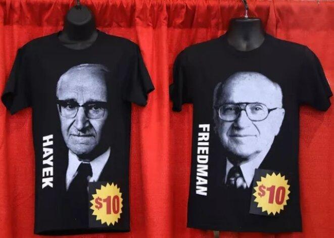 T-shirts de Milton Friedman et Friedrich.Hayek en vente au Conservative Political Action Conference Hub