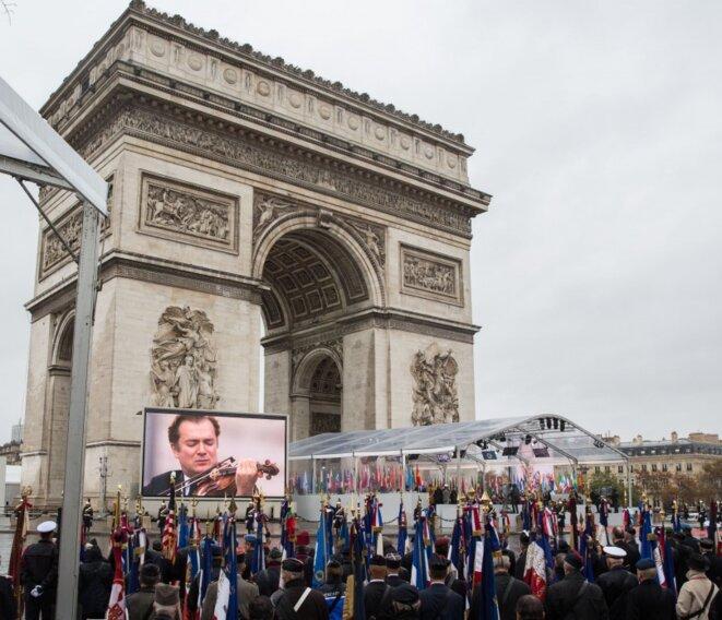 Cérémonie officielle réunissant plusieurs chefs d'Etat et de gouvernement à l'Arc de Triomphe, à Paris, pour le centenaire de l'armistice du 11 novembre 1918. Source: wikimedia commons. © Presidential Administration of Ukraine.