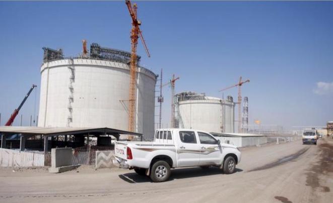 Le site de Balhaf (Yémen) en construction en novembre 2008. © REUTERS/Khaled Abdullah