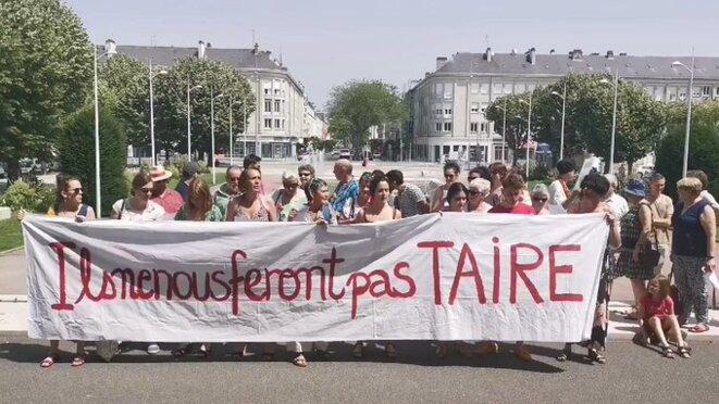 Devant la mairie de Saint-Nazaire, vendredi 28 juin. © DR