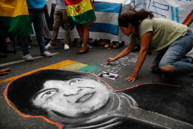 Manifestation en faveur d'Evo Morales à Buenos Aires (Argentine) le 11 novembre 2019. © Reuters