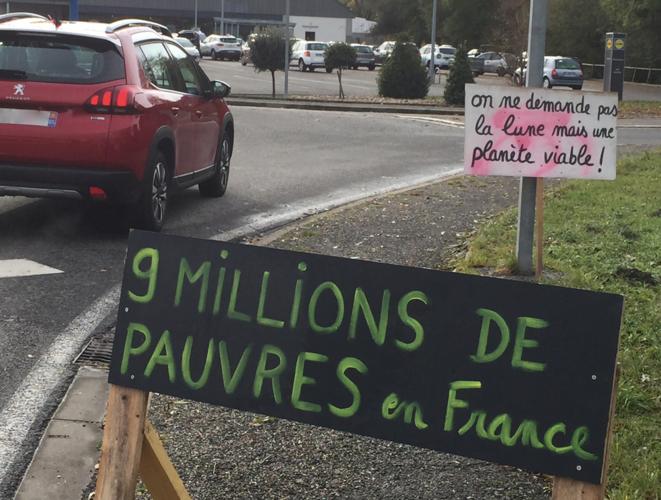 9 millions de pauvres en 2019 demandent une planète viable en France © ©AB