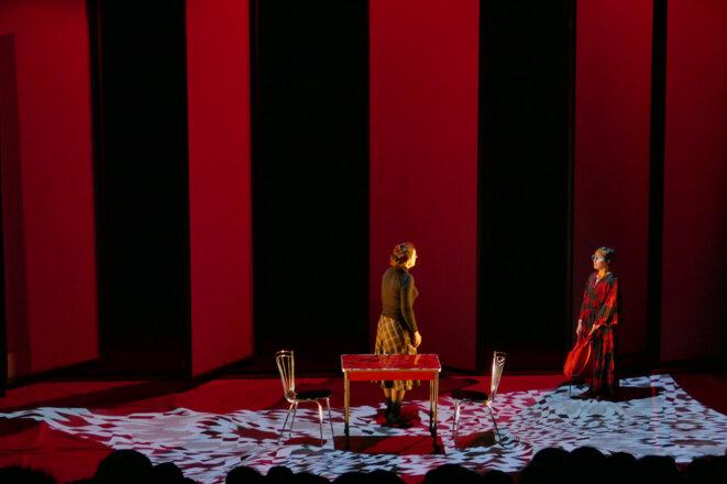 """""""La petite fille qui disait non"""", écrit et mise en scène par Carole Thibaut, créée le 16 janvier 2019 au Théâtre des Ilets - Centre dramatique national de Montluçon © Yoann Tivoli"""
