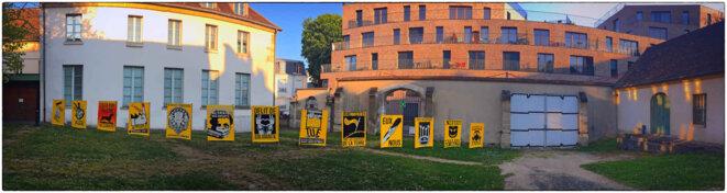 """Olivier LONG, """"Mes amours jaunes"""" installation pour l'exposition """"Enfermement"""", musée d'art et d'histoire de Saint-Denis. © Jean-michel Fickinger"""