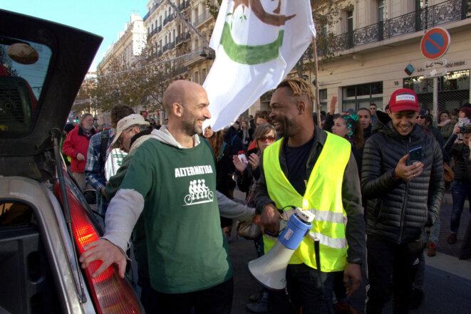 Convergence entre Gilets jaunes et militant-e-s climat lors d'une mobilisation à Marseille