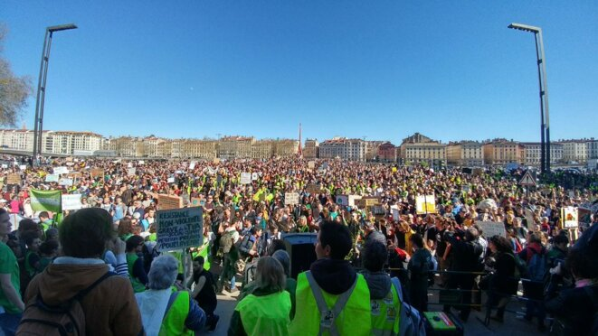 Marche climat à Lyon le 16 mars 2019