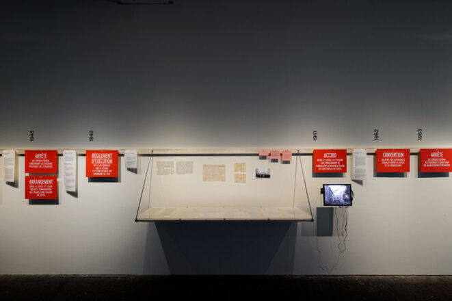 """Vue de l'exposition """"Nous saisonniers, saisonnières... Genève. 1931 - 2019"""", Le Commun, Genève, 2019 © Aurélien Mole"""
