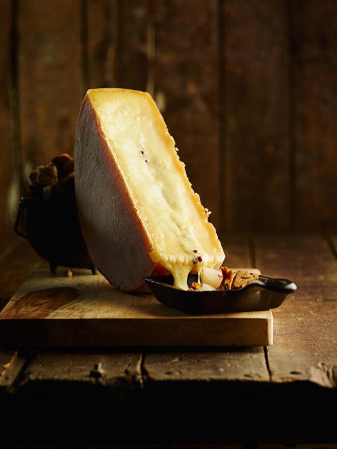 Fromage à raclette © Copyrigh Creative Commons, photo Benoit Levac