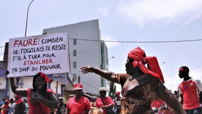 Manifestation à Lomé, Faure Combien de togolais te reste-t-il a tuer pour étancher ta soif de pouvoir