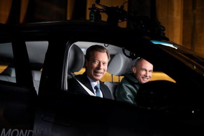 Le Grand Duc Henri de Luxembourg avec Bertrand Piccard dans la Nexo © RTL.lu
