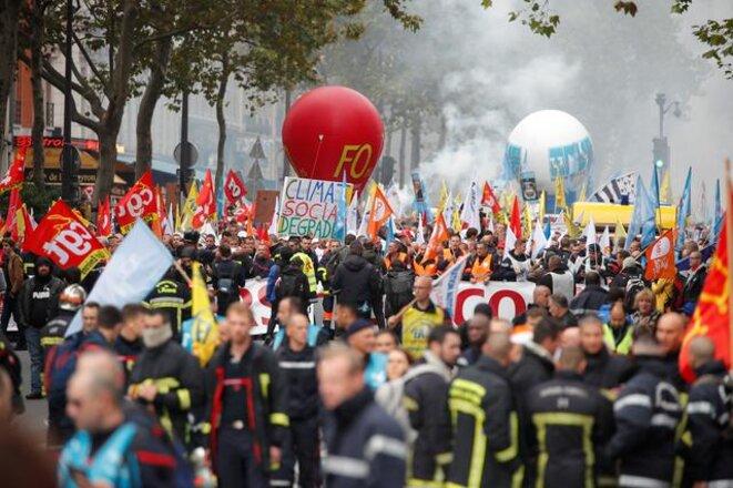 Lors de la manifestation des pompiers, le 15 octobre. © Reuters
