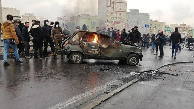La condamnation internationale du recours à la force militaire par le régime iranien contre les manifestants pacifiques se poursuit.