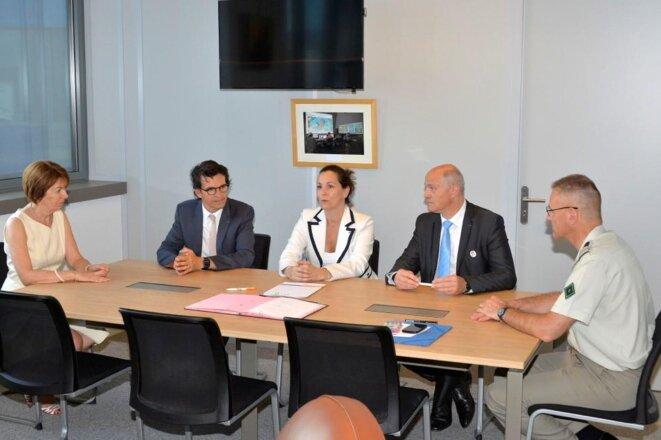 Signature convention Minisère des Armées : Bertrand Monthubert (Université Toulouse), Anne-Sophie Avé (DRH MD), André Masin (AFG Autisme) © site AFG Autisme