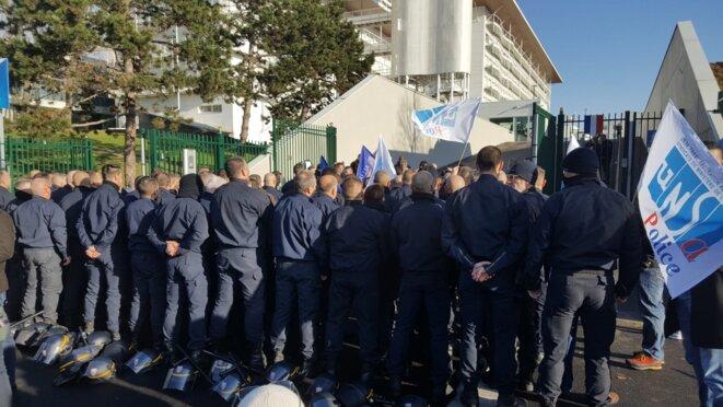 Action de CRS contre la réforme des retraites, 2 décembre, Chevilly-Larue (Val-de-Marne).