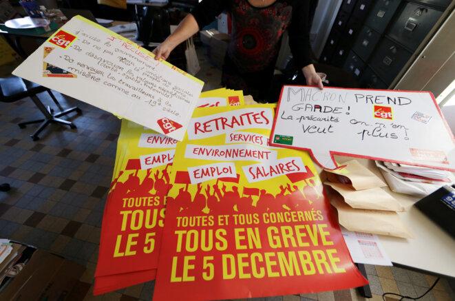 À la bourse du travail de Nice, le 3 décembre, en préparation de la manifestationdu 5. © Reuters/Éric Gaillard
