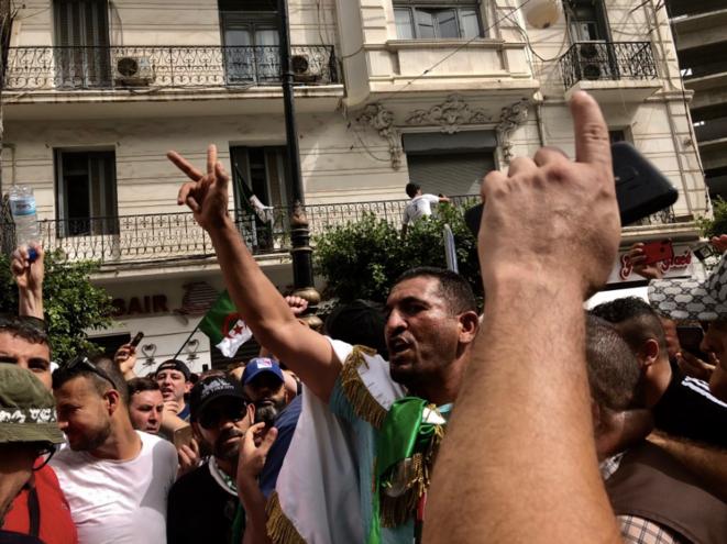 Figure parmi les plus en vue du Hirak, Karim Tabbou, coordinateur de la jeune Union démocratique et sociale (UDS), croupit en prison depuis septembre 2019. © Kahina Nour