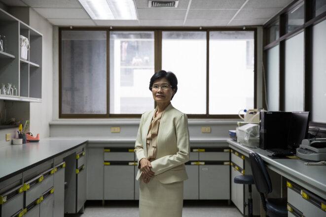 Punnee Pitisuttithum, cheffe du département de médecine clinique tropicale à l'université Mahidol de Bangkok, a fait partie de l'équipe qui a produit le Dengvaxia, premier vaccin contre la dengue. © Luke Duggleby