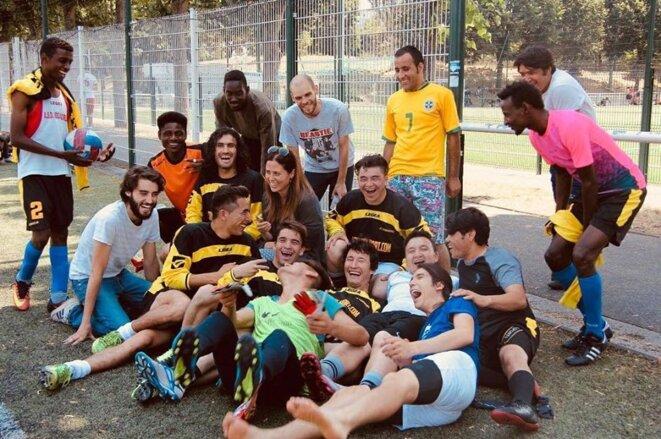 L'Équipe sans frontières, à la fin de l'entraînement, à Bobigny. © CC