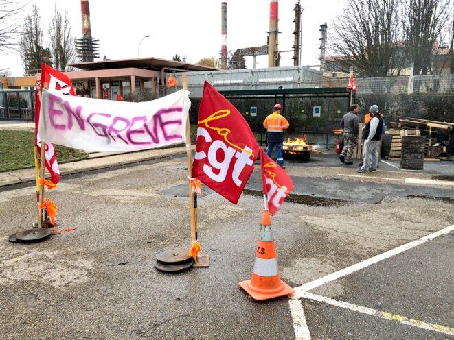 Piquet de grève à la raffinerie de Grandpuits (Seine-et-Marne), le 17 décembre 2019. © MJ