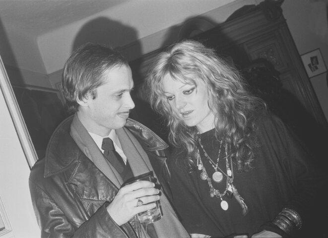 John Waters et Cookie Mueller, 1977. © Bobby Grossman
