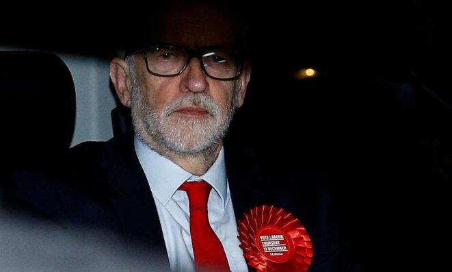 Jeremy Corbyn sortant du quartier général du Labour, au soir de l'élection. © Henry Nicholls/Reuters