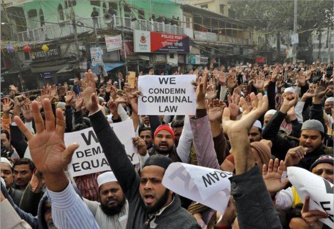 27 décembre 2019, manifestation après la prière du vendredi dans le vieux quartier de Delhi, en Inde. © Anushree Fadnavis / Reuters