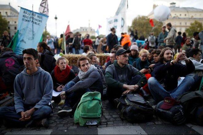 Des militants d'Extinction Rebellion à Paris, le 7 octobre 2019. © Reuters