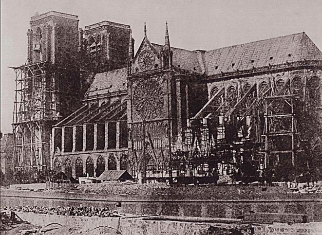 Le côté sud de Notre-Dame, photographie d'Hippolyte Bayard, 1847 - Musée Getty, Los Angeles