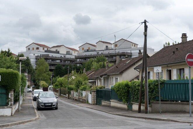 Tissu pavillonnaire du quartier des mordacs. Rue des amis. Champigny-sur-Marne. © fair