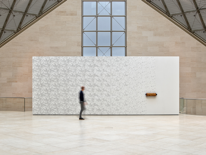 Vue de l'exposition Anri Sala. Le Temps coudé, 11.10.2019 - 05.01.2020, Mudam Luxembourg, All of a tremble (Delusion / Devolution) © Photo : Rémi Villaggi | Mudam Luxembourg