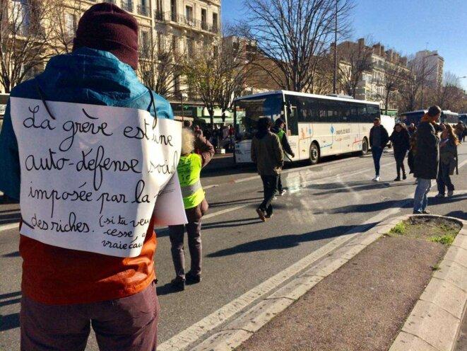 Lors de la manifestation à Marseille le 10 décembre © LF