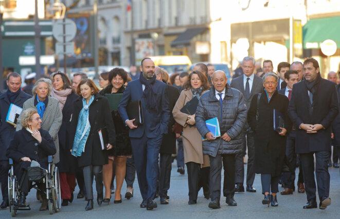 Le gouvernement arrive au premier conseil des ministres de l'année, le 6 janvier. © Reuters
