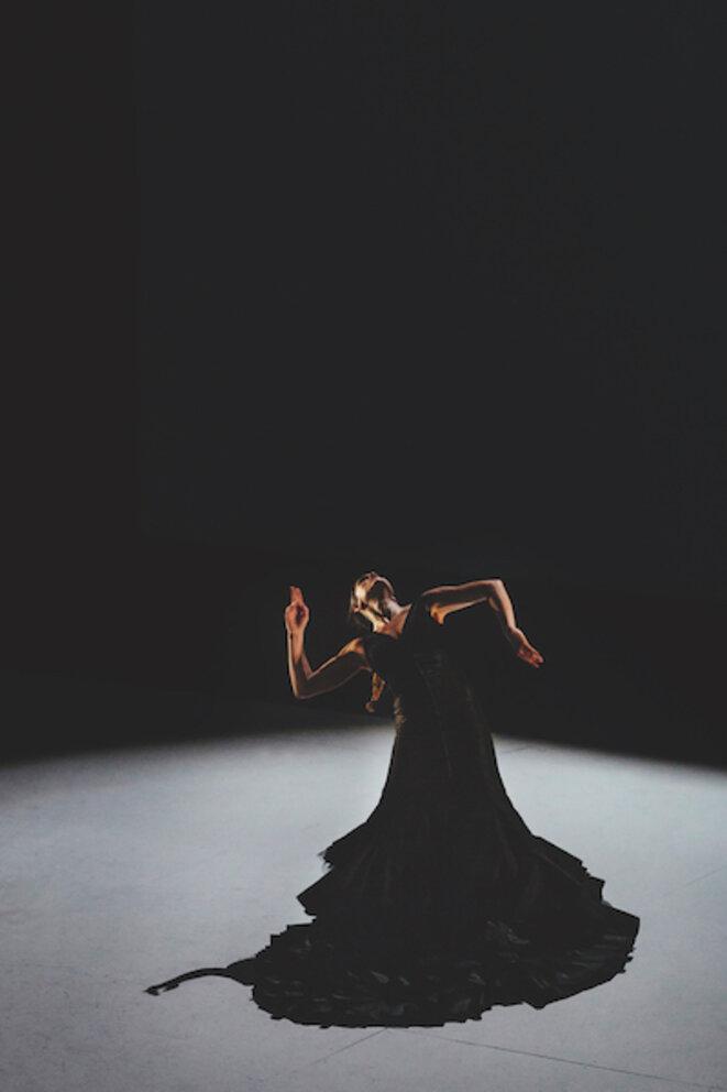 Patricia Guerrero danse Distopia © Oscar Romero