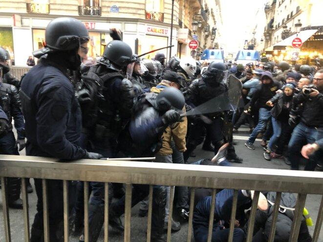 Charge policière, manifestation contre la réforme des retraites, 9 janvier 2020, Paris. © Mediapart /KL