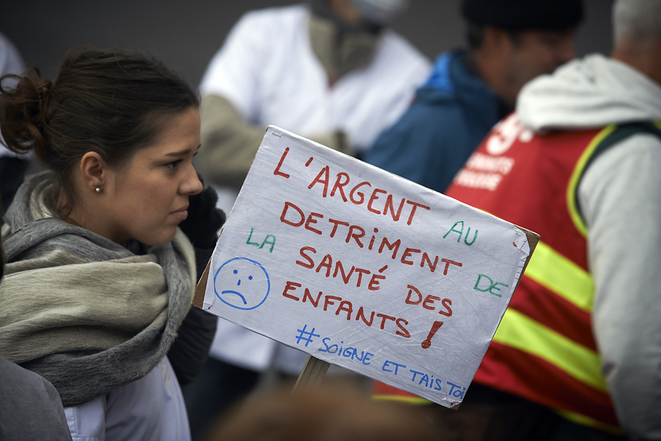 Manifestation contre le plan d'économies pour les hôpitaux, Toulouse, 4 novembre 2019 © Alain Pitton