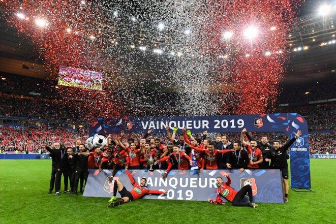Les joueurs rennais fêtant la deuxième Coupe de France de leur histoire en 2019   © Iconsport