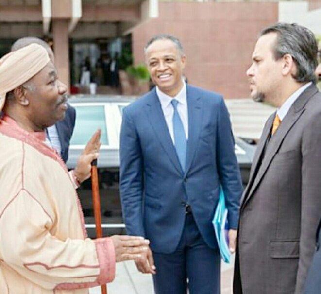 """Franck Nguema alias """"Le vache qui rit"""" encadré par ses nouveaux maîtres : André Mba Obame doit se retourner dans sa tombe !"""