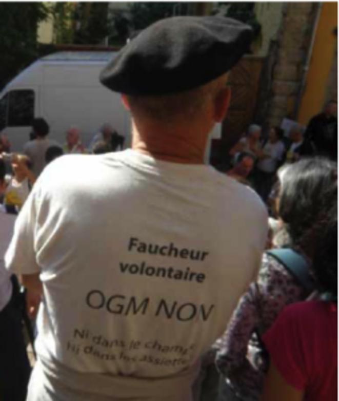 Un des 62 faucheurs poursuivi par la justice pour la destruction de vignes OGM. © Laure Siegel