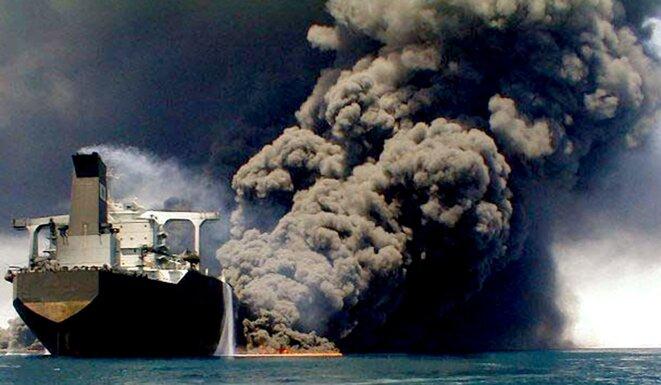 burning-oil-tanker-persian-gulf-1987-resize