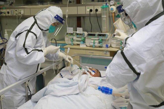 Un patient atteint de pneumonie à l'hôpital de Wuhan, le 27 janvier. © China Daily via Reuters
