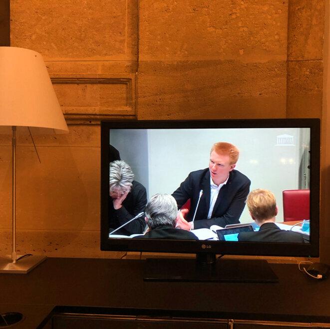 Le député insoumis Adrien Quatennens lors du débat en commission spéciale sur la réforme des retraites, le 3 février 2020. © MJ