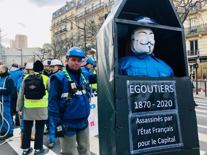 Les égoutiers lors de la manifestation du 29 janvier 2020, à Paris. © MG