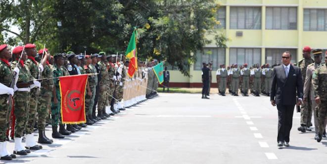 Denis #SASSOU N'Guesso passe les troupes en Revue à l'académie militaire