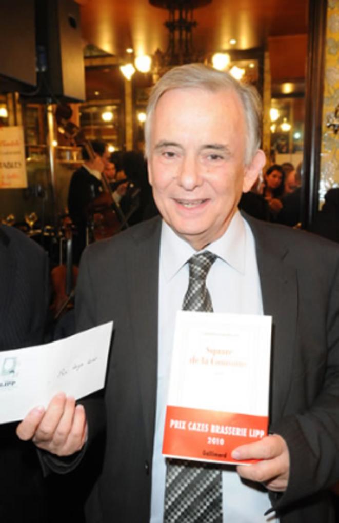 Christian Giudicelli, recevant le prix Cazes en 2010 pour son roman Le square de la couronne.
