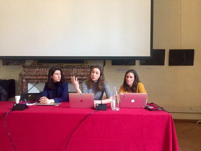 Lucie Simon, Camille Vannier et Norma Jullien Cravotta, avocates des parents et lycéens, conférence de presse, 9 février, Paris. © Pascale Pascariello